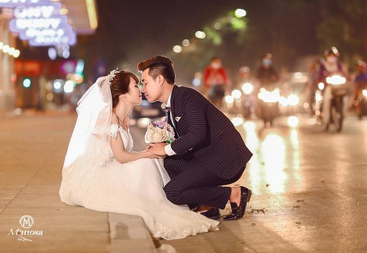 Chụp ảnh cưới xóa phông với các ống kính chuyên nghiệp