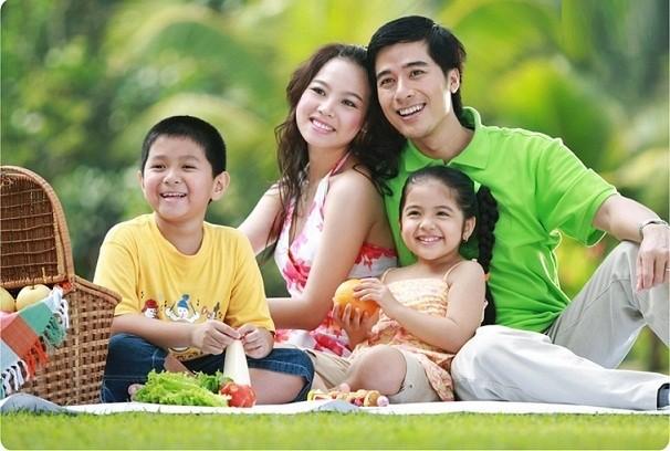 Bật mí 3 bí quyết chụp ảnh gia đình đẹp