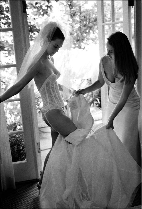 Mách nhỏ chị em bí quyết chọn nội y khi mặc váy cưới trong ngày trọng đại